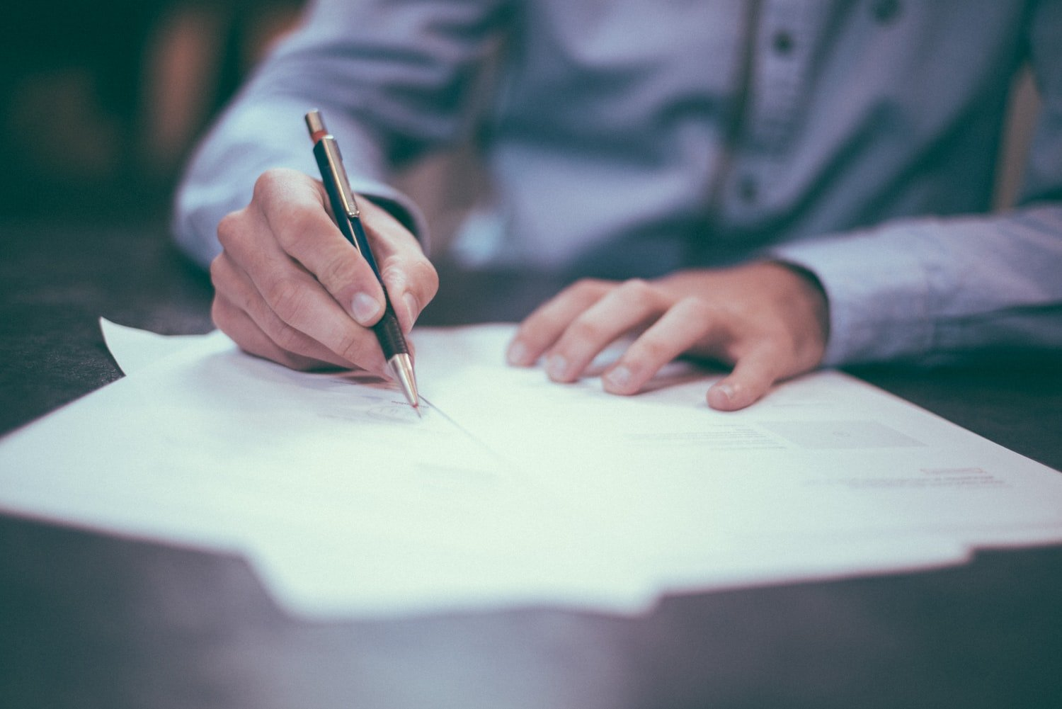 Signing the divorce petition papers in a California divorce